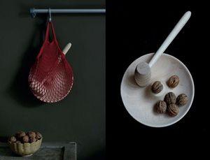 MALLE W. TROUSSEAU -  - Nut Cracker