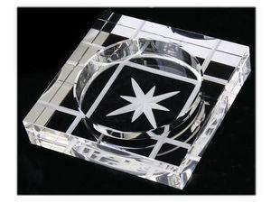 WHITE LABEL - cendrier carré en verre gravure étoile accessoire  - Ashtray