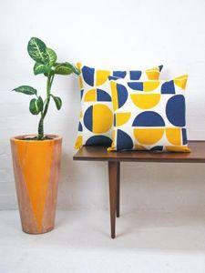 TAMASYN GAMBELL -  - Rectangular Cushion