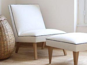 CHARLOTTE SAVIGNAT - la désinlvote - Fireside Chair