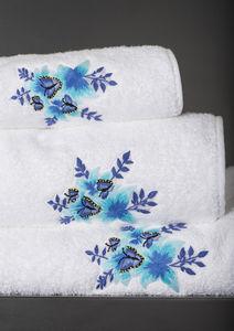 Renaissance Paris - jardin d'eden  - Towel Set