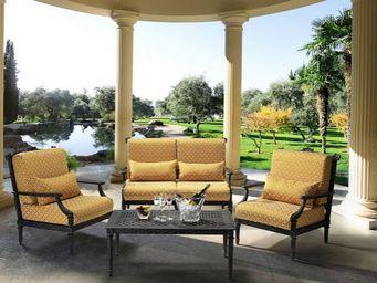 Oxley's -  - Garden Furniture Set