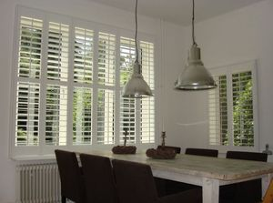 DECO SHUTTERS - pour un salon - Interior Blind