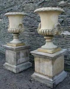 Paul Martin Architectural Ceramics - flaxton - Medicis Vase