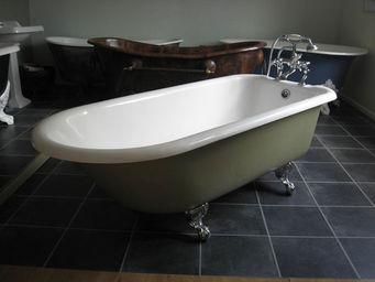 THE BATH WORKS - edwardian - Freestanding Bathtub With Feet