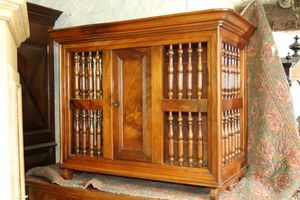Antiquites Decoration Maurin -  - Provincal Bread Cabinet