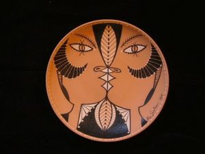 SYLVIA POWELL DECORATIVE ARTS - chevre-pieds jumeaux - Decorative Platter