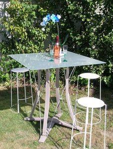 Douelledereve -  - Bar Table
