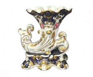 Demeure et Jardin - vase cornet bleu style vieux paris - Decorative Vase