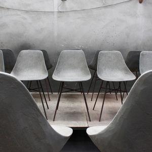 LYON BÉTON -  - Chair