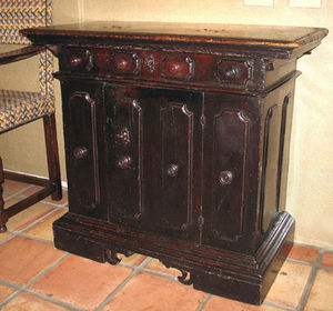 FOSTER-GWIN - italian baroque walnut credenza - Sideboard