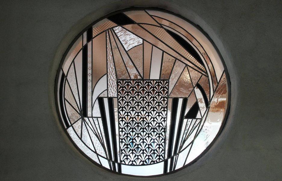 EN VERRE CONTRE TOUT Buntglasfenster Glasmalereien Verzierung  |