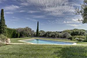CAPRINI & PELLERIN ARCHITECTES - la sousta - Traditioneller Schwimmbad