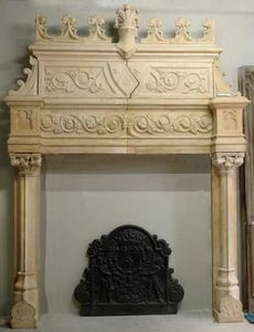 GALERIE MARC MAISON - cheminée de style néo-renaissance en terre cuite - Rauchfangmantel