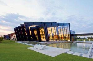 Raico France - amada haan costumer solution center - Glasfensterfront