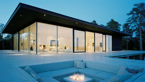 GLASSOLUTIONS France - eglas - Glasfensterfront