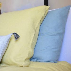 MAISON D'ETE - taie d'oreiller en lin lavé jaune de lima - Kopfkissenbezug