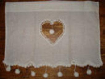 au petit coeur d'amour - coeur pompons - Kurzgardine