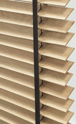American Shutters - venetian blinds - Jalousien