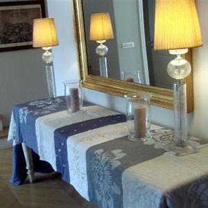 PIAE -  - Tischdecke Und Passende Servietten