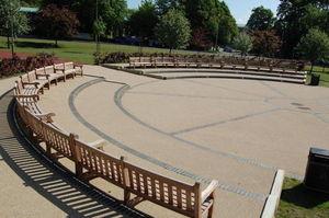Branson Leisure - curved seats - Garten Rundbank