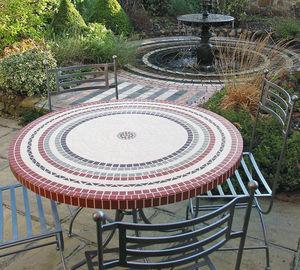 Mosaic & Stone Tables -  - Rundes Gartentisch