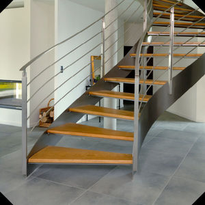 Atelier Benoît Hérouard - escalier balancé - Freitragende Treppe