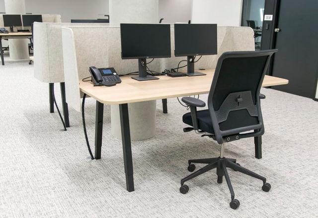 BUZZISPACE - Bürotrennungselement-BUZZISPACE-_buzziwrap-desk