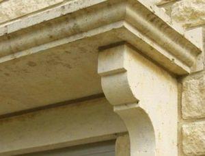 Avenier Pere Et Fils Modillón de fachada