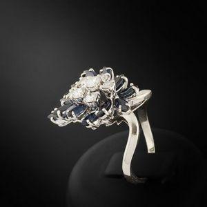 Expertissim - bague en or gris, diamants et saphirs - Anillo