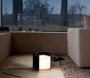 MODULAR - buzze - Lámpara De Sobremesa