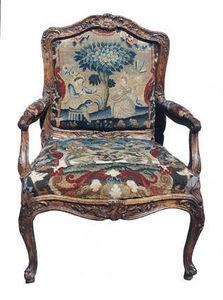 AIX-EN-PROVENCE ANTIQUITES - fauteuil regence en bois sculpté  - Sillón