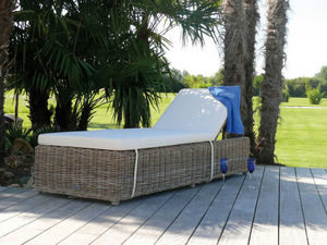TRAUM GARTEN - bain de soleil inclinable nattu en pin et rotin ku - Tumbona