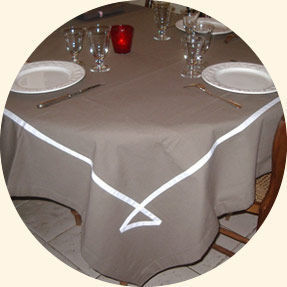 ATELIER DE LA VARANGUE -  - Mantel Redondo