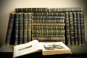 Objet de Curiosite - livres 21 vol. illustrations cuir noir - Libro Antiguo