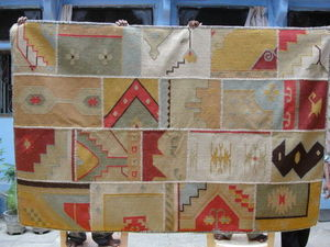 Red Rugs - a unique patchwork - Alfombra Kilim