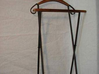 Antic Line Creations - valet de nuit en bois et fer 45x117cm - Galán De Noche