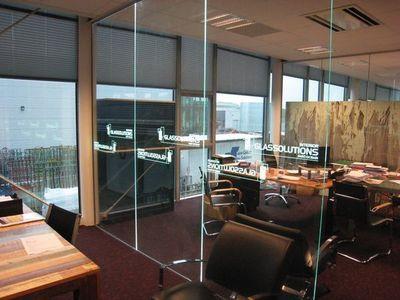 GLASSOLUTIONS France - Tabique de despacho-GLASSOLUTIONS France-LED IN GLASS