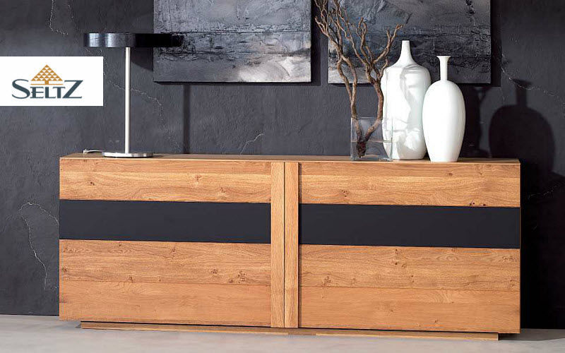 credenza bassa credenze buffet e mobili soggiorno decofinder. Black Bedroom Furniture Sets. Home Design Ideas