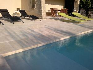 Pavimentazione zona piscina