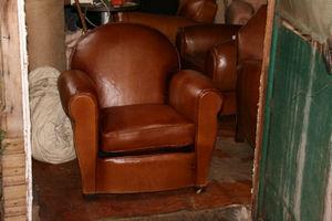 Fauteuil Club.com - petit fauteuil club à dossier rond - Poltrona Club