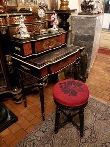 Art & Antiques - bureau à gradin en marqueterie boulle - Scrittoio Bonheur Du Jour