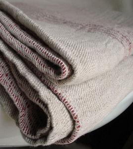 Couleur Chanvre - couvre-lit rayé rouge - Copriletto