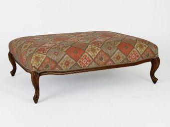 Clock House Furniture - lennoxlove stool - Poggiapiedi